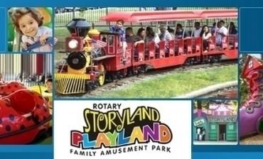 Ayuden A Storyland Y Playland